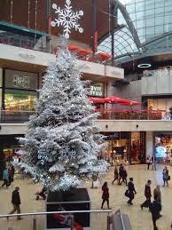Christmas shopping Photo Credit: pikist.com