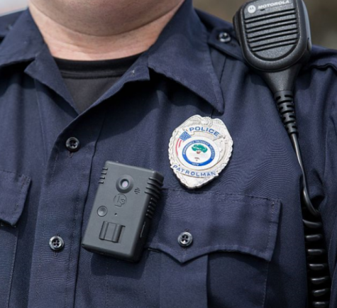 Photo credit: https://commons.wikimedia.org/wiki/File:Police_body_cam.png?scrlybrkr=6b6db6eb