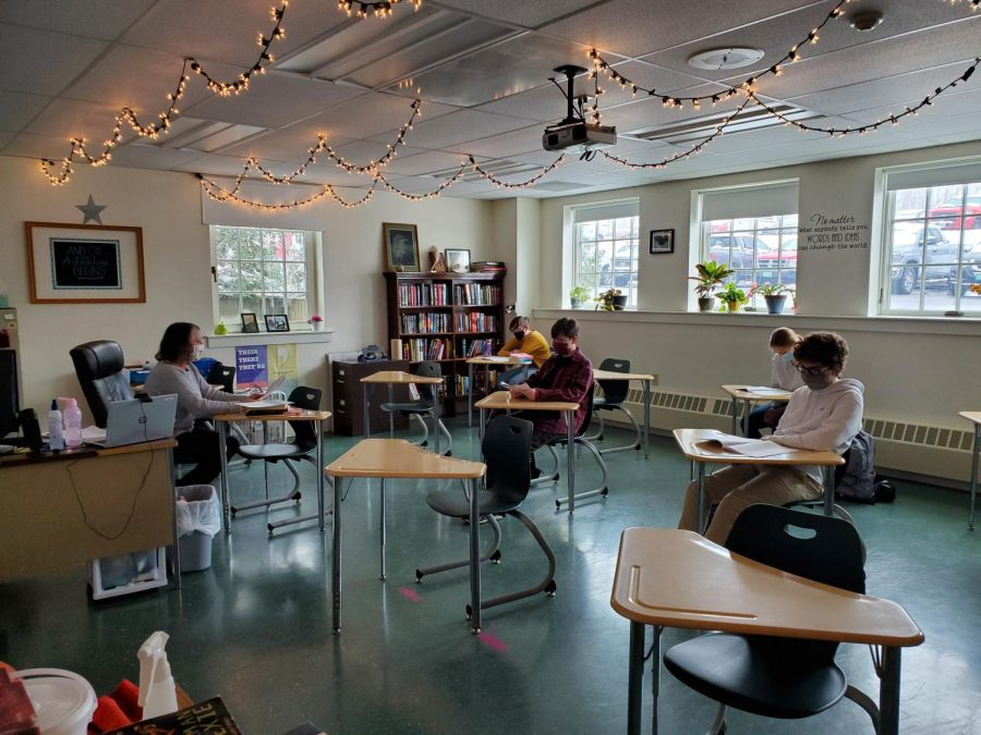 MaryEllen Tourville teaches one of her English classes.  Photo credit:  Larissa Hebert